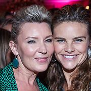 NLD/Amsterdam/20131111 - Beau Monde Awards 2013, Saskia Noort en Judith Wiersma