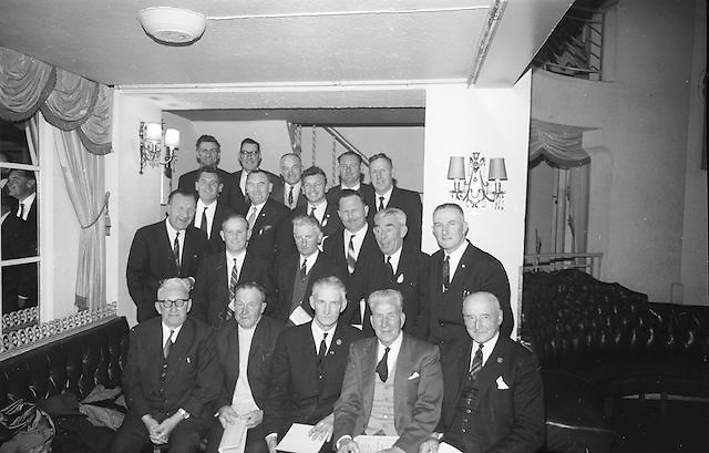 Cork Delegates to the Annual Congress of the GAA pictured with the President of the GAA Alf Murray (centre, front row) and the Secretary, Sean O'Siochain (left, second row)...Annual Congress, GAA. 18.4.1965. 18th April 1965