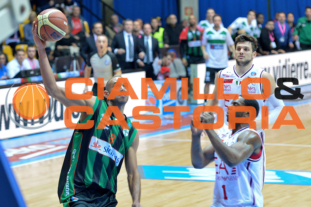 DESCRIZIONE : Final Eight Coppa Italia 2015 Desio Quarti di Finale Olimpia EA7 Emporio Armani Milano - Sidigas Scandone Avellino <br /> GIOCATORE :Hanga Adam<br /> CATEGORIA :Tiro<br /> SQUADRA : Sidigas Avellino<br /> EVENTO : Final Eight Coppa Italia 2015 Desio <br /> GARA : Olimpia EA7 Emporio Armani Milano - Sidigas Scandone Avellino <br /> DATA : 20/02/2015 <br /> SPORT : Pallacanestro <br /> AUTORE : Agenzia Ciamillo-Castoria/I.Mancini