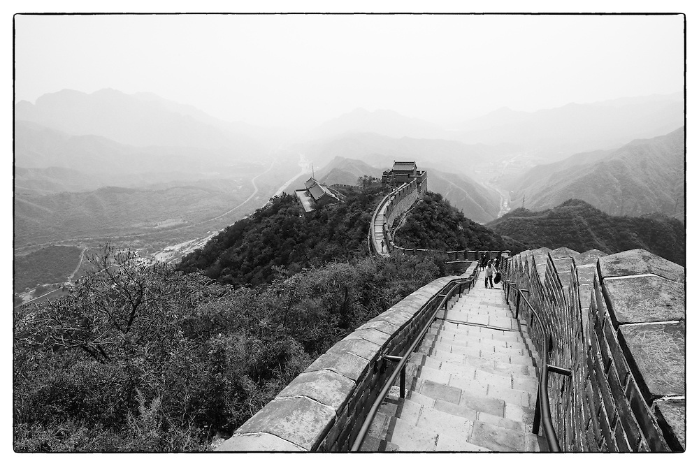 Black and white image of the great wall of China, Beijing