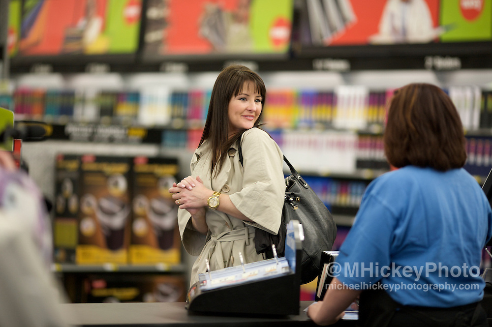 INDIANAPOLIS, IN - MARCH 25: Kristan Cunningham of the Rachael Ray show films a segment at Staples on March 25, 2008 in Indianapolis, Indiana. (Photo by Michael Hickey/Getty Images) Photo by Michael Hickey