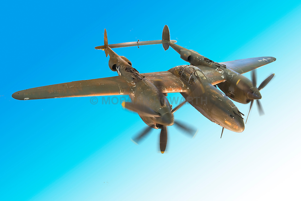 Lockheed P 38 lightning airplane