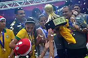 BRASÍLIA, DF, 22.12.2013 – FINAL DO TORNEIO INTERNACIONAL DE BRASÍLIA – BRASIL vs CHILE (Futebol Feminino) – Seleção Brasileira campeã do Torneio Internacional de Brasília, no Estádio Mané Garrincha em Brasília, neste domingo, 22. (Foto: Ricardo Botelho / Brazil Photo Press).