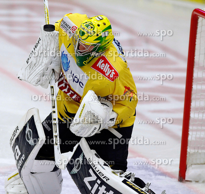 22.09.2013, Stadthalle, Villach, AUT, EBEL, EC VSV vs UPC Vienna Capitals, 9. Runde, im Bild Matthew Zaba (Capitals,#1) // during the Erste Bank Icehockey League 9th round between EC VSV vs UPC Vienna Capitals at the City Hall, Villach, Austria, 2013/09/22, EXPA Pictures © 2013, PhotoCredit: EXPA/ Oskar Hoeher