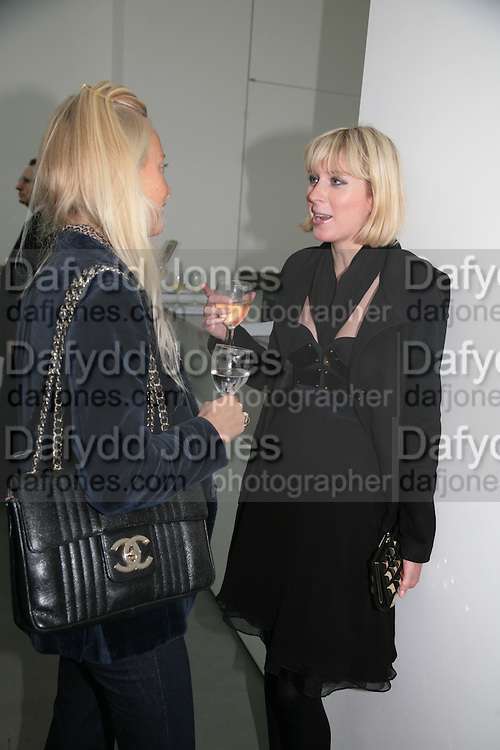 MARTHA WARD AND TICKY HEDLEY-DENT, BERNARD FRIZE opening. Simon Lee Gallery. Berkeley St. London. 9 October 2007. -DO NOT ARCHIVE-© Copyright Photograph by Dafydd Jones. 248 Clapham Rd. London SW9 0PZ. Tel 0207 820 0771. www.dafjones.com.