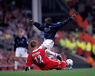 11.09.1999, Anfield Road, Liverpool..Liverpool v Manchester United.Dwight Yorke (ManU) v Sami Hyypi? (Liverpool).©JUHA TAMMINEN