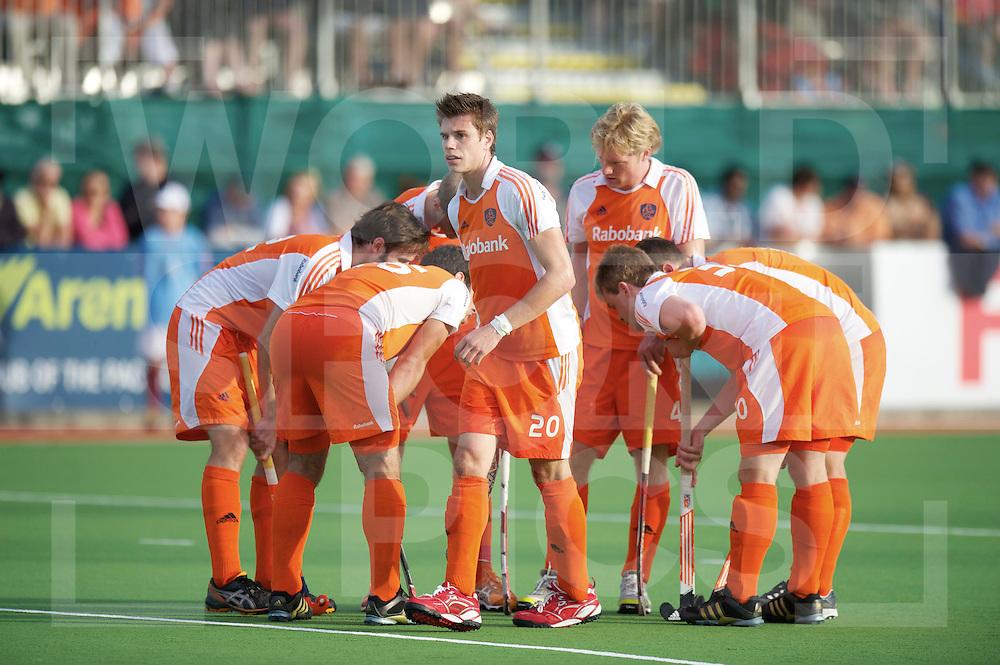 AUCKLAND - Champions Trophy men.Netherlands v New Zealand.foto: Sander de Wijn verlaat de corner kring .FFU Press Agency  COPYRIGHT FRANK UIJLENBROEK..