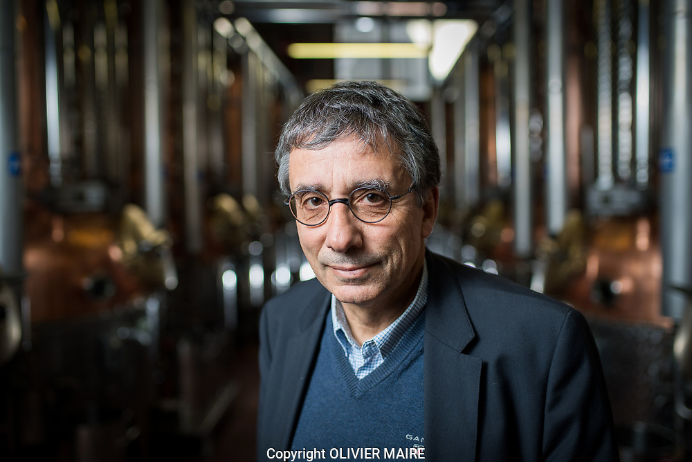 Jean-Pierre Morand pose dans la distilerie Morand a Martigny, le 24 octobre 2017<br /> (OLIVIER MAIRE)