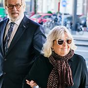 NLD/Amsterdam/20181027 - Herdenkingsdienst Wim Kok, Jeroen Krabbe en partner Herma