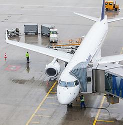 THEMENBILD, Airport Muenchen, Franz Josef Strauß (IATA: MUC, ICAO: EDDM), Der Flughafen Muenchen zählt zu den groessten Drehkreuzen Europas, rund 100 Fluggesellschaften verbinden ihn mit 230 Zielen in 70 Laendern, im Bild ein Flugzeug der Lufthansa des Typs Embraer ERJ 195 wird am Terminal abgefertigt // THEME IMAGE, FEATURE - Airport Munich, Franz Josef Strauss (IATA: MUC, ICAO: EDDM), The airport Munich is one of the largest hubs in Europe, approximately 100 airlines connect it to 230 destinations in 70 countries. picture shows: an aircraft of the Lufthansa, Embraer ERJ 195, will be handled at the terminal, Munich, Germany on 2012/05/06. EXPA Pictures © 2012, PhotoCredit: EXPA/ Juergen Feichter