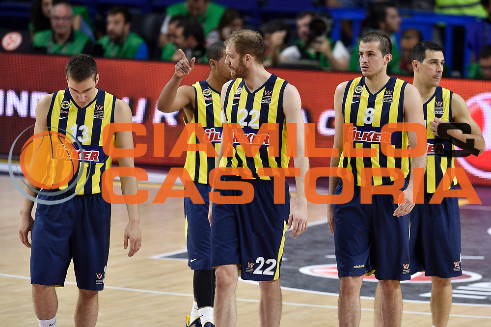 DESCRIZIONE : Madrid Eurolega Euroleague 2014-15 Final Four 3rd 4th place finale 3 4 posto Fenerbahce Ulker Istanbul Cska Moscow Cska Mosca<br /> GIOCATORE : Team Fenerbahce Ulker Istanbul<br /> SQUADRA : Fenerbahce Ulker Istanbul<br /> CATEGORIA : ritratto delusione<br /> EVENTO : Eurolega 2014-2015<br /> GARA : Fenerbahce Ulker Istanbul Cska Mosca<br /> DATA : 17/05/2015<br /> SPORT : Pallacanestro<br /> AUTORE : Agenzia Ciamillo-Castoria/GiulioCiamillo<br /> Galleria : Eurolega 2014-2015<br /> DESCRIZIONE : Madrid Eurolega Euroleague 2014-15 Final Four 3rd 4th place finale 3 4 posto Fenerbahce Ulker Istanbul Cska Moscow Cska Mosca