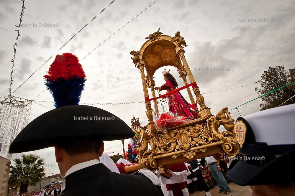 Sardegna, Italy.  Decimomannu. Festa di Santa Greca. Al passaggio della Santa.