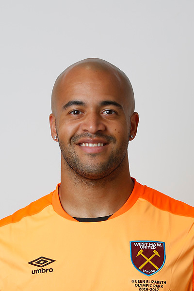 LONDON, ENGLAND - AUGUST 06:  Darren Randolph of West Ham poses during a Premier League portrait session on August 6, 2016 in London, England. (Photo by Tom Shaw/Getty Images)