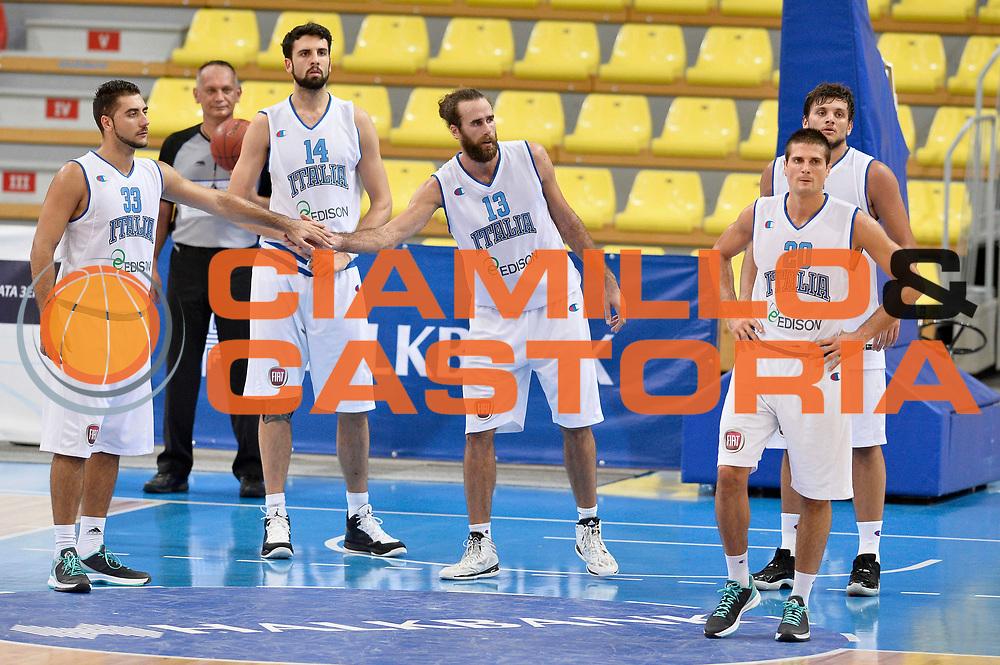 DESCRIZIONE : Skopje Nazionale Italia Uomini Torneo Internazionale di Skopje Italia Montenegro Italy Montenegro<br /> GIOCATORE : Team<br /> CATEGORIA : Fairplay<br /> SQUADRA : Italia Italy<br /> EVENTO : Trofeo Internazionale di Skopje<br /> GARA : Italia Montenegro Italy Montenegro<br /> DATA : 25/07/2014<br /> SPORT : Pallacanestro<br /> AUTORE : Agenzia Ciamillo-Castoria/GiulioCiamillo<br /> Galleria : FIP Nazionali 2014<br /> Fotonotizia : Skopje Nazionale Italia Uomini Torneo Internazionale di Skopje Italia Montenegro Italy Montenegro