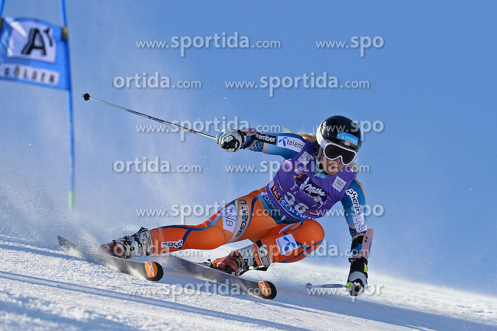 26.10.2013, Rettembach Ferner, Soelden, AUT, FIS Ski Alpin, FIS Weltcup, Ski Alpin, 1. Durchgang, im Bild Ragnhild Mowinckel from Norway // Ragnhild Mowinckel from Norway during 1st run of ladies Giant Slalom of the FIS Ski Alpine Worldcup opening at the Rettenbachferner in Soelden, Austria on 2012/10/26 Rettembach Ferner in Soelden, Austria on 2013/10/26. EXPA Pictures © 2013, PhotoCredit: EXPA/ Mitchell Gunn<br /> <br /> *****ATTENTION - OUT of GBR*****
