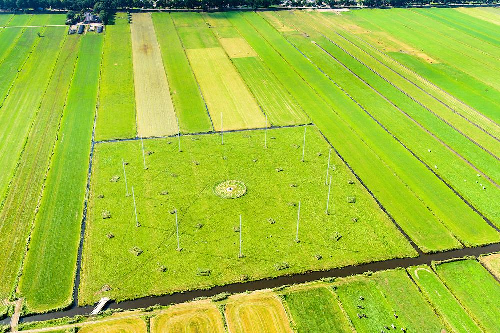 Nederland, Noord-Holland, Eempolder, 23-08-2016; Noordpolder te veld, polder ten oosten van Eemnes. Antenneveld, radio-afluisterstation van de voormalige de Marine Inlichtingen Dienst (MARID), nu Nationale Sigint Organisatie (NSO).<br /> Antenna Field, radio monitoring station of the former Navy Intelligence (MARID), now National Sigint Organisation (NSO).<br /> <br /> aerial photo (additional fee required);<br /> copyright foto/photo Siebe Swart