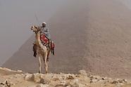 Gizah pyramides, Cairo EG701 Egypt Les pyramides de Guizeh
