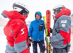 11.02.2020, Zwölferkogel, Hinterglemm, AUT, FIS Weltcup Ski Alpin, Abfahrt, Herren, 1. Training, Absage, im Bild v.l. Andreas Puelacher (Sportlicher Leiter ÖSV Ski Alpin Herren), Hannes Trinkl (FIS Renndirektor Weltcup Ski Alpin Herren), Toni Giger (ÖSV Sportdirektor) // f.l. Andreas Puelacher Austrian Ski Association head Coach alpine Men's Hannes Trinkl Race Director World Cup Men Speed Events of FIS Toni Giger Austrian Ski Association sporting director after the cancellationof the 1st trainingsrun of Mens Downhill of FIS Ski Alpine World Cup at the Zwölferkogel in Hinterglemm, Austria on 2020/02/11. EXPA Pictures © 2020, PhotoCredit: EXPA/ Johann Groder