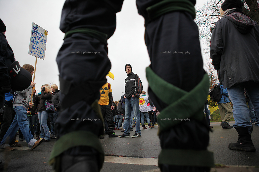 Up to 1.400 school kids demonstrate in Lüchow. Unrest in Lüchow-Dannenberg. Thousands of people demonstrate against a transport of 11 Castor containers filled with high radioactive waste to Gorleben, Lower Saxony, Germany. The protest takes place shortly after the governments unpopular decision to extend the period of operation for german nuclear power plants for an additional decade.