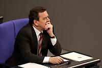 19 DEC 2003, BERLIN/GERMANY:<br /> Gerhard Schroeder, SPD, Bundeskanzler, waehrend der Sondersitzung des Bundestages zur Abstimmung ueber das Reformpaket zu Steuern und Arbeitsmarkt, Plenum, Deutscher Bundestag<br /> IMAGE: 20031219-01-026<br /> KEYWORDS: Gerhard Schröder