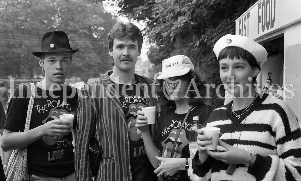 Mark and David Keating also Caroline Barry and Kete Stevens at the Slane 1982 (Part of the Independent Newspapers Ireland/NLI collection.)