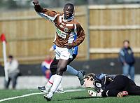 Fotball<br /> Tredjedivisjon<br /> Mjøndalen v Hadeland 3-1<br /> 22.04.2006<br /> Foto: Morten Olsen, Digitalsport<br /> <br /> Baboucarr Sarr jubler for 3-1 til Mjøndalen