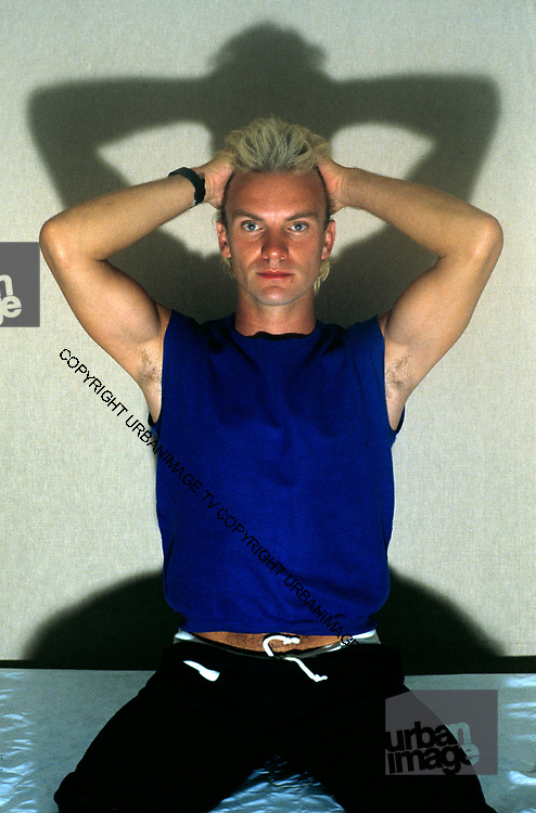 Sting - backstage Yoga - The Police - 1979