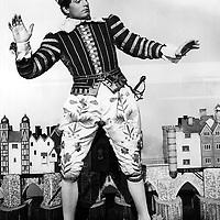 OLIVIER, Sir Laurence