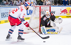 09.04.2019, Eisarena, Salzburg, AUT, EBEL, EC Red Bull Salzburg vs Vienna Capitals, Halbfinale, 6. Spiel, im Bild v.l.: John Hughes (EC Red Bull Salzburg), Jean Philippe Lamoureux (Vienna Capitals) // during the Erste Bank Icehockey 6th semifinal match between EC Red Bull Salzburg vs Vienna Capitals at the Eisarena in Salzburg, Austria on 2019/04/09. EXPA Pictures © 2019, PhotoCredit: EXPA/ JFK