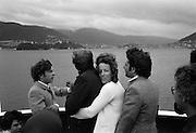Färjan från England till Norge på väg in till hamn i Bergen