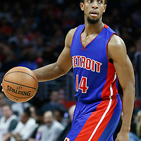 07 November 2016: Detroit Pistons guard Ish Smith (14) dribbles during the LA Clippers 114-82 victory over the Detroit Pistons, at the Staples Center, Los Angeles, California, USA.