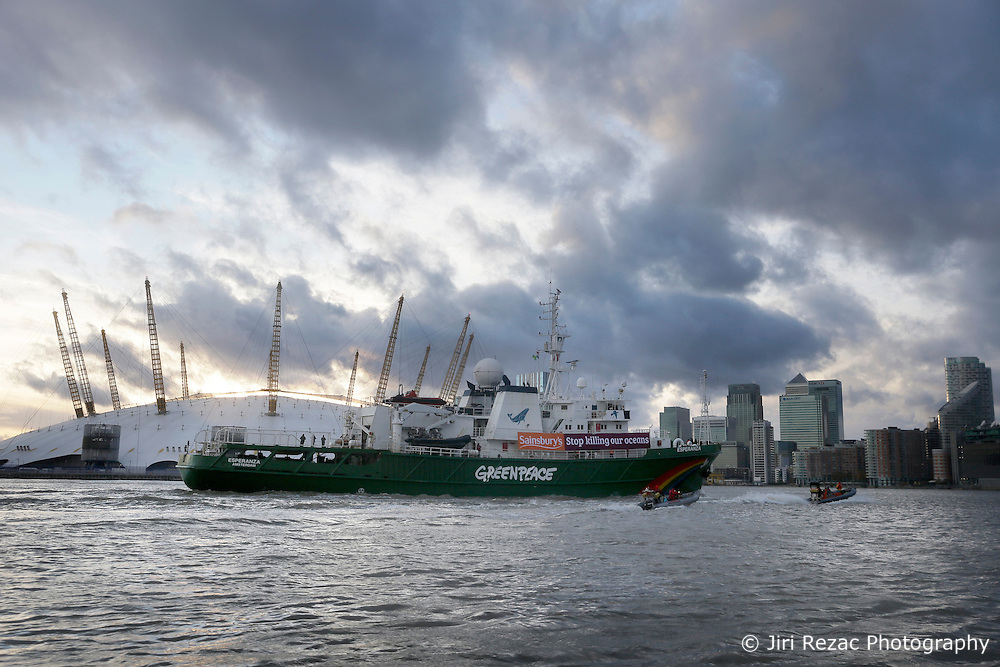 UK ENGLAND LONDON 18NOV16 - The Greenpeace ship Esperanza arrives in London.<br /> <br /> jre/Photo by Jiri Rezac<br /> <br /> &copy; Jiri Rezac 2016