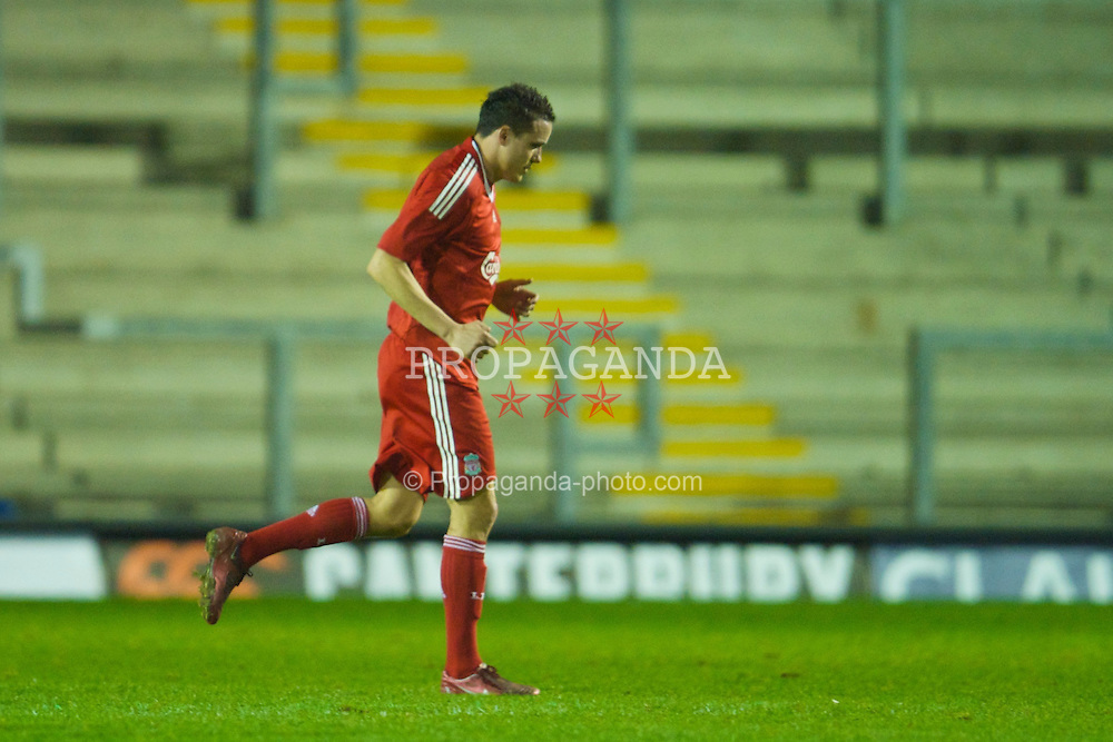 WARRINGTON, ENGLAND - Thursday, March 12, 2009: Liverpool's Philipp Degen limps off injured on his return from a long-term injurt during the FA Premiership Reserves League (Northern Division) match against Manchester United at the Halliwell Jones Stadium. (Photo by David Rawcliffe/Propaganda)