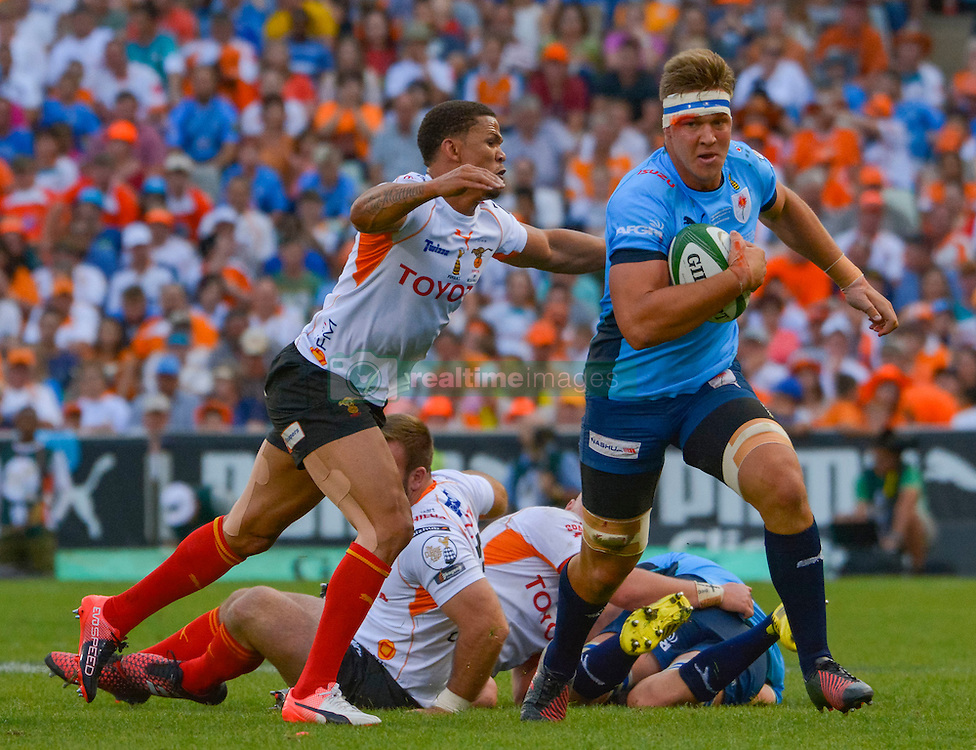 Hanro Liebenberg of the Blue Bulls and Ryno Benjamin of the Free State Cheetahs during the Currie Cup Final between the The Free State Cheetahs and Blue Bulls held at Toyota Stadium (Free State Stadium), Bloemfontein, South Africa on the 22nd October 2016<br /> <br /> Photo by:   Frikkie Kapp / Real Time Images