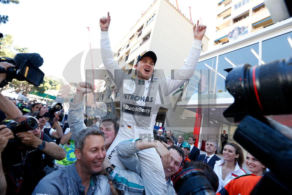 MONTECARLO, MONACO, 26 MAIO 2013 - F1 GP DE MONACO - O piloto alemão Nico Rosberg da equipe Mercedes GP , comemora vitória no Grande Premio de Monaco de Formula 1, neste domingo. FOTO: PIXATHLON / BRAZIL PHOTO PRESS.
