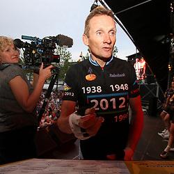 HENGELO (NED) wielrennen<br />De Race of the Legends een wedstrijd voor oud renners in Hengelo verreden in het kader van de 40e editie van de Nacht van Hengelo. Een andere Nederlandse wielerlegende Adrie van der Poel