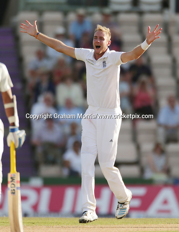 Bowler Stuart Broad appeals during the third Investec Test Match between England and India at the Ageas Bowl, Southampton. Photo: Graham Morris/www.cricketpix.com (Tel: +44 (0)20 8969 4192; Email: graham@cricketpix.com) 29/07/14