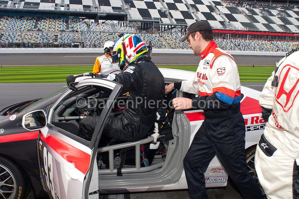 #93 HART Honda Civic SI: Chad Gilsinger, Michael Valiante