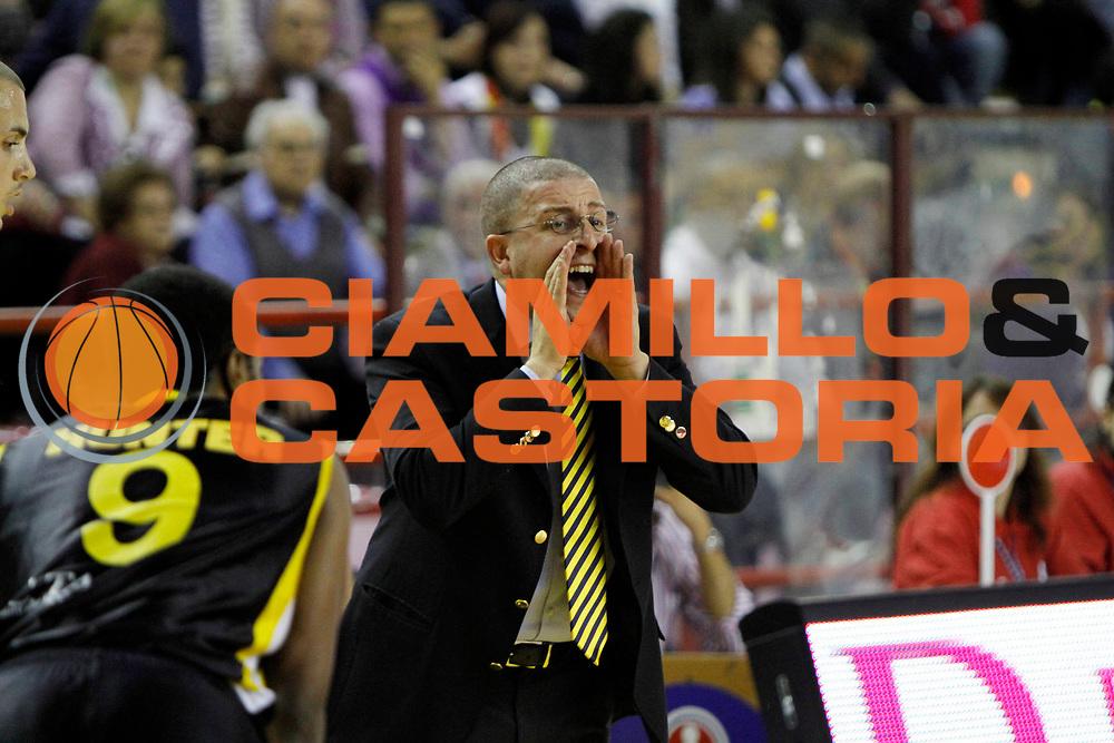 DESCRIZIONE : Barcellona Pozzo di Gotto Campionato Lega Basket A2 2010-11 Sigma Barcellona Sunrise Scafati<br /> GIOCATORE : Giulio Griccioli<br /> SQUADRA : Sunrise Scafati<br /> EVENTO : Campionato Lega Basket A2 2010-2011<br /> GARA : Sigma Barcellona Sunrise Scafati<br /> DATA : 10/04/2011<br /> CATEGORIA : Ritratto Coach Time Out <br /> SPORT : Pallacanestro <br /> AUTORE : Agenzia Ciamillo-Castoria/G.Pappalardo<br /> Galleria : Lega Basket A2 2010-2011 <br /> Fotonotizia : Barcellona Pozzo di Gotto Campionato Lega Basket A2 2010-11 Sigma Barcellona Sunrise Scafati<br /> Predefinita :