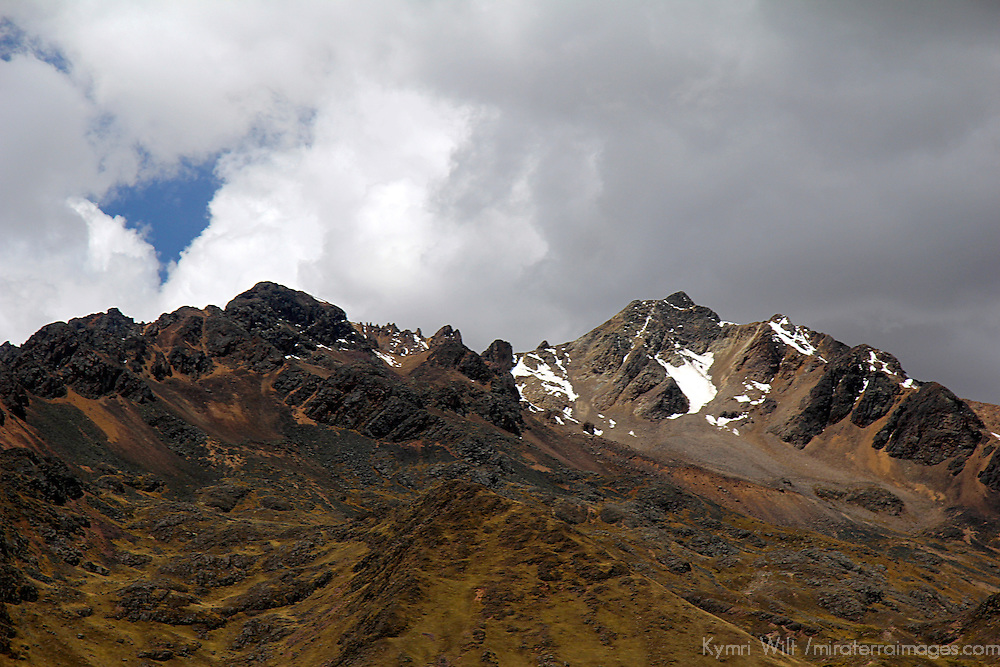 South America, Peru, La Raya. Scenery of La Raya, the highest point of elevation for the Andean Explorer train journey from Cusco to Puno.