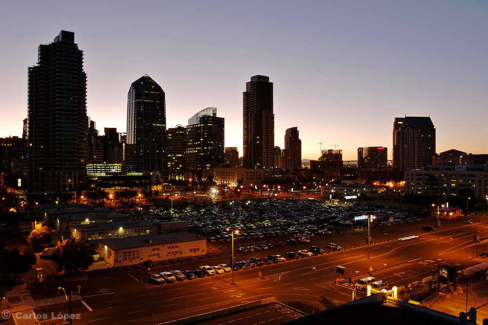 View of the city fo San diego in front of the harbour at the sunrise. State of California, U.S.A.