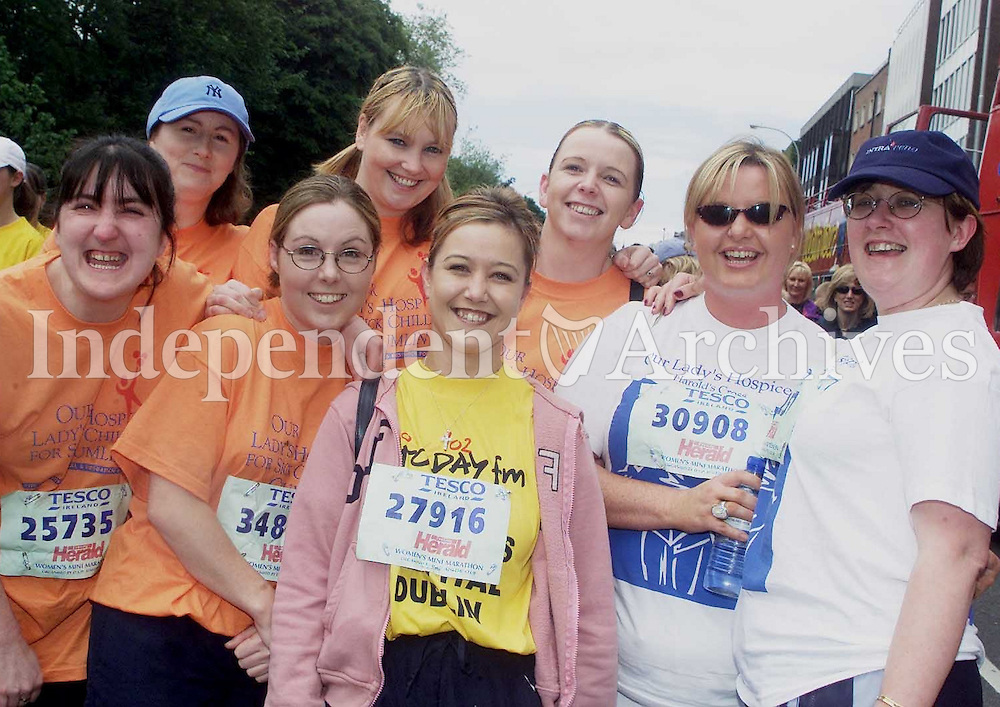 Friends from Clondalkin and Crumlin who were running for The Childrens Hospital and Hospice Foundation. (Copyright Independent News and Media)