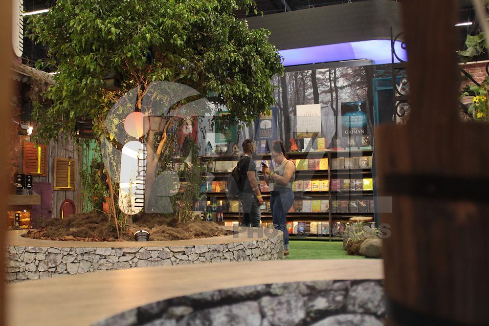S&Atilde;O PAULO,SP, 01.12.2016 - COMIC-CON - Movimenta&ccedil;&atilde;o no primeiro dia da Comic Con 2016 no S&atilde;o Paulo Expo na regi&atilde;o sul da cidade nesta quinta-feira, 01. <br /> <br /> (Foto: Fabricio Bomjardim/Brazil Photo Press)