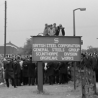 Picketing miners at Orgreave waiting for convoy of lorries carrying coke. 25/05/1984<br />