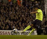 Photo: Olly Greenwood.<br />Tottenham Hotspur v FC Braga. UEFA Cup. 14/03/2007. Braga's Andrade scores a free kick