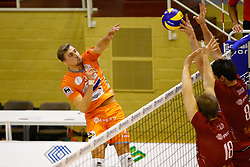20141029 BEL: Eredivisie, Callant Antwerpen - Volley Behappy2 Asse - Lennik: Antwerpen<br />Robin Overbeeke (11) of Volley behappy2 Asse - Lennik<br />©2014-FotoHoogendoorn.nl / Pim Waslander