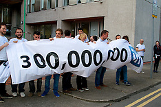 300 million members worldwide at Linkedin
