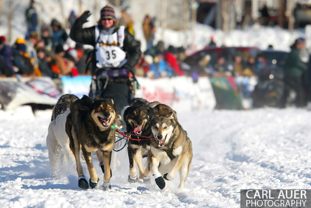 3/4/2007:  Willow, Alaska -  Veteran Melanie Gould of Talkeetna, AK starts the run to Nome in the 35th Iditarod Sled Dog Race