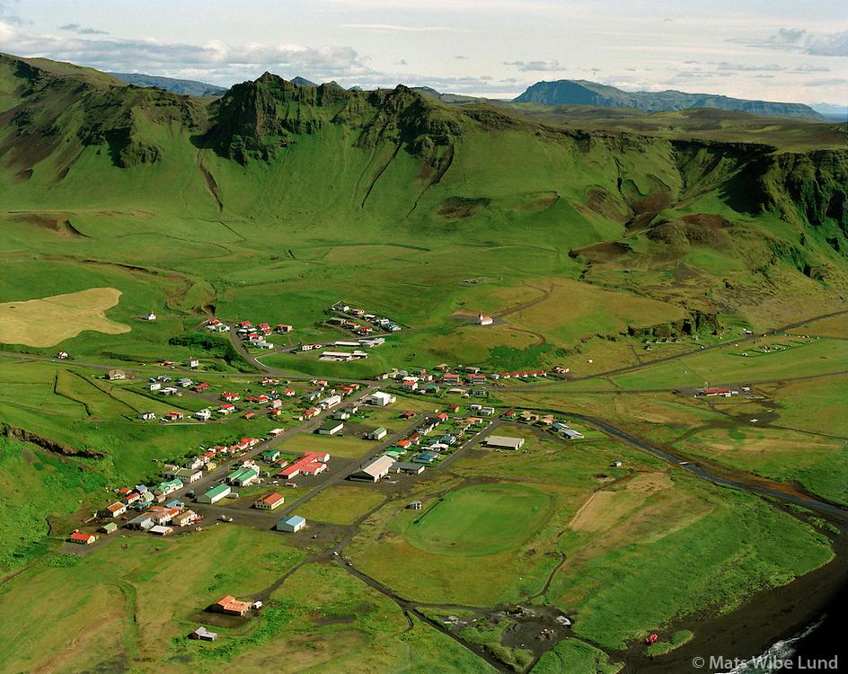 Vík í Mýrdal séð til norðausturs, Mýrdalshreppur áður Hvammshreppur /.Vik i Myrdal viewing northeast, Myrdalshreppur former Hvammshreppur.
