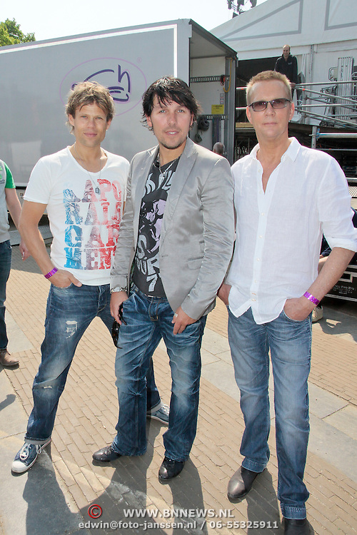 NLD/Amsterdam/20110430 - Koninginnedagconcert Radio 538, 3 J's